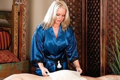 Chubby mature massage..