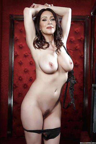Hot brunette mom RayVeness..