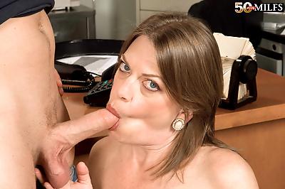 Plump mature woman Randi..