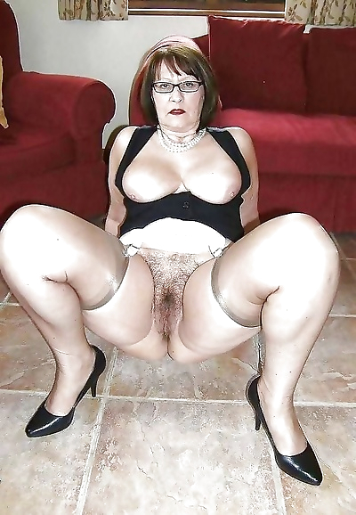 Hot nude granny - part 1568