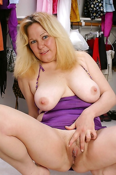 Chubby mom patricia shows..