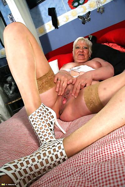 Kinky mature kim gets wild..