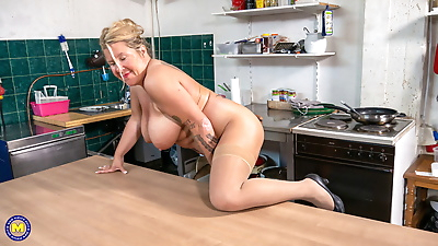 Old cleaning woman strips to..
