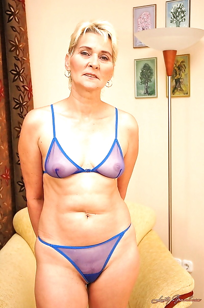 Mature blonde amateur Bibi..