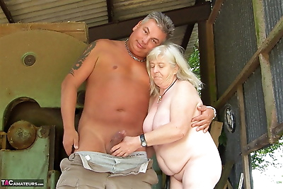 Fat granny takes a cumshot..