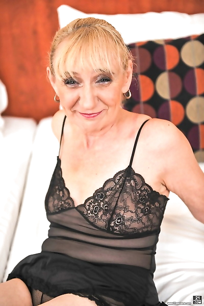 Smiley granny Nanney shows..