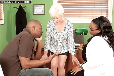 Mature sex therapist cant..