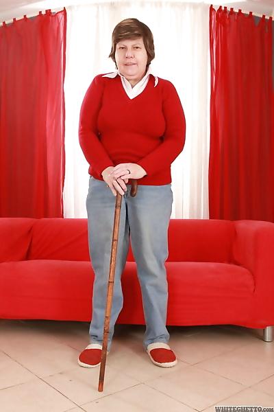 Fat granny Miluska loses her..