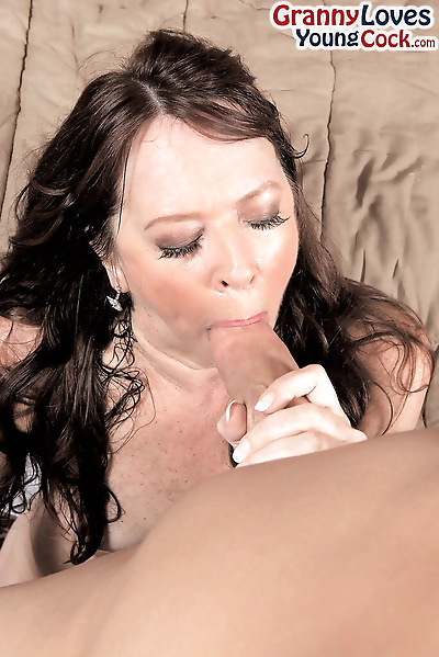 Hot cougar Nicky White..