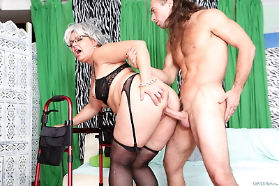 Perfect granny in stockings..