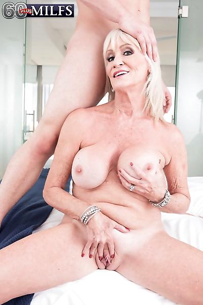 Hot grandmother Leah LAmour..