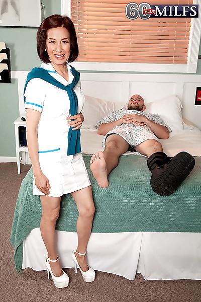 Hot granny Kim Anh spoons..