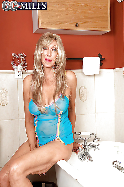 Hot blonde granny Christy..