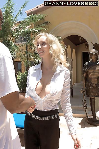 Hot blonde granny ophelia..