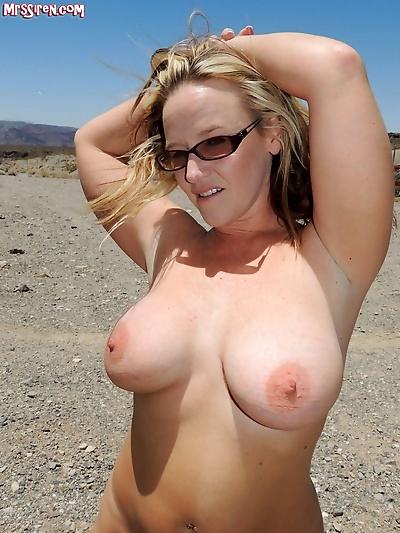 Sexy slut bj in public -..