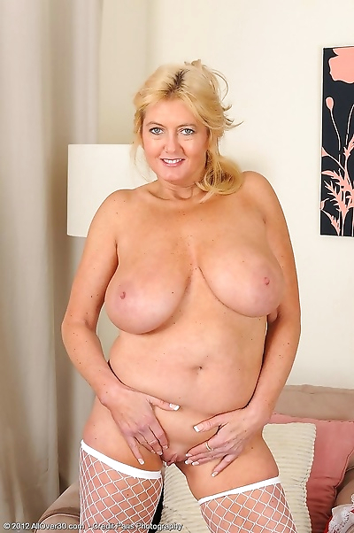 Mature and busty tahnee..