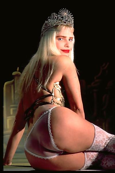 Vintage blonde cicciolina..