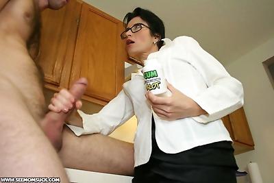 Sexy mom Tatiana gets her..