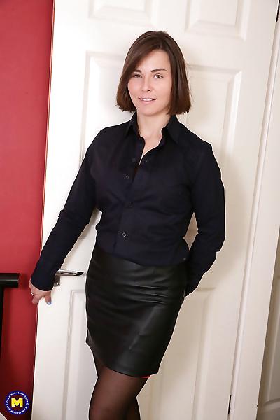 Gorgeous British mom in..