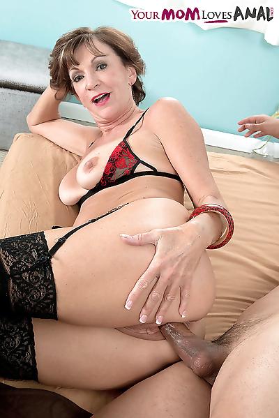 Hot older lady Sydni Lane..