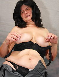 Check out this horny mature slut play all alone - part 2154