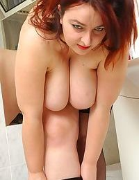 Chubby mom bianca shows her heavy hangers - part 4388
