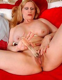 Mature amateur redhead blowjob - part 3284